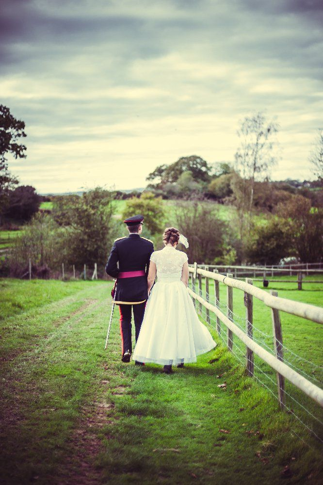 The Newley Weds Take A Stroll Around Picturesque Grounds Of Blackstock Weddings This Stunning