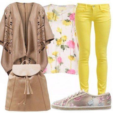 Outfit Safari e fiori