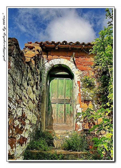 Old Chios - green door!  Makes me want to go inside! :)