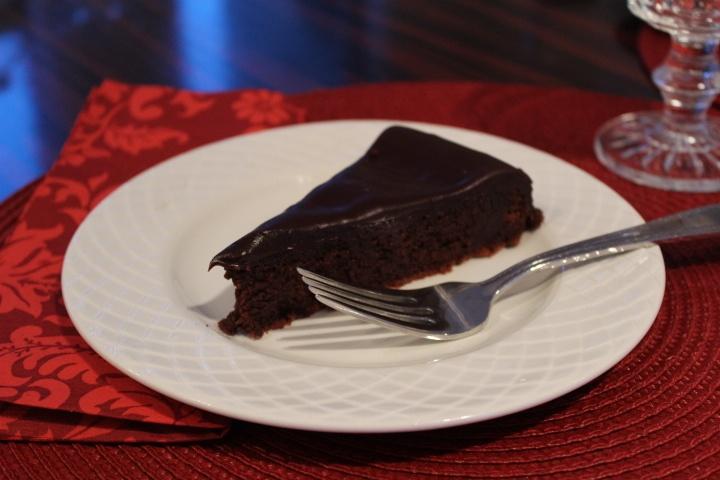 Flourless Chocolate Cake with Chocolate Glaze from @glorioffood.com # ...