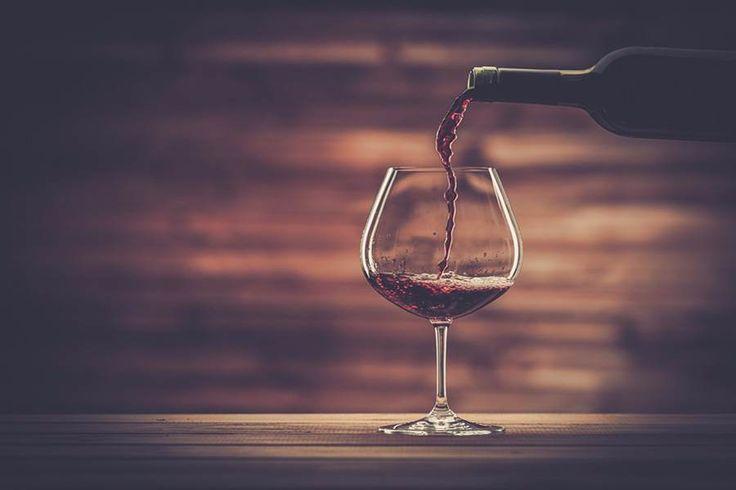 Tipos de Vinho: Merlot, Lambrusco e Pinot Noir. Veja mais em efacil.com.br/simplifica
