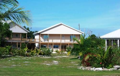 Hideawaybahamas Village Apartment Freeport Offering a garden, Hideawaybahamas Village Apartment offers pet-friendly accommodation in Bevans Town. Freeport is 39 km from the property. Free WiFi is offered throughout the property and free private parking is available on site.
