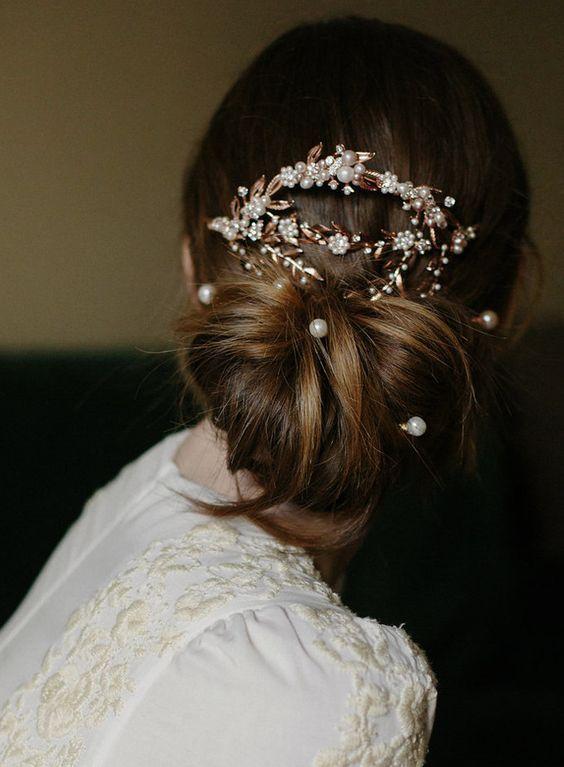 Long wedding hairstyle idea via Erica Elizabeth Koesler - Deer Pearl Flowers / http://www.deerpearlflowers.com/wedding-hairstyle-inspiration/long-wedding-hairstyle-idea-via-erica-elizabeth-koesler/