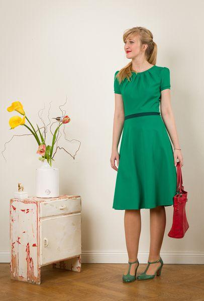 """Kleid+""""Luzia""""+mit+Tellerrock+in+smaragd+von+Jekyll+und+Kleid+auf+DaWanda.com"""