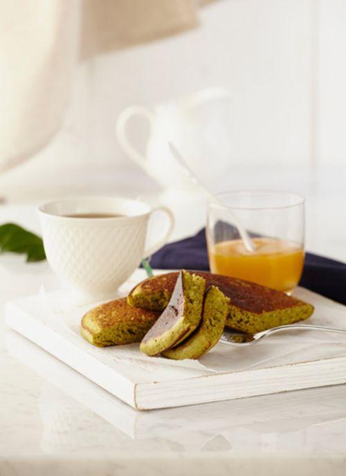 Pancakes de té verde con compota de duraznos Chef: Juanita Umaña Aprenda elaborar esta creativa receta de pancakes donde el té y el durazno se convierten en protagonistas. Puede ser un plato ideal para compartir con amigos o para romper la rutina en los desayunos.