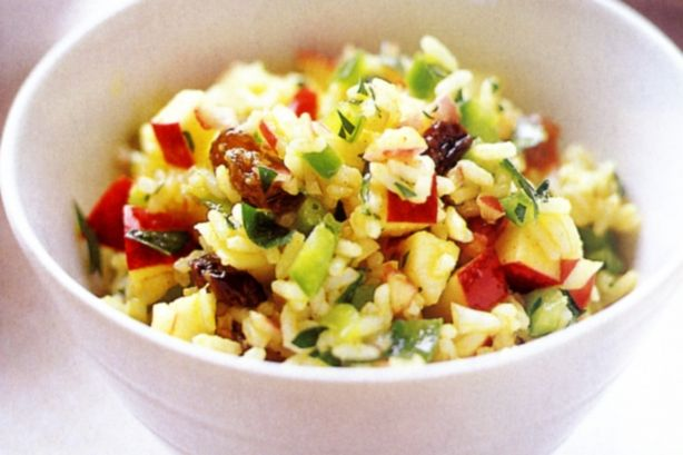 CURRIED RICE SALAD 2 cups cooked long grain rice, chilled 1 apple, peeled, core removed, chopped 1 red onion, finely chopped 1 green capsicum, diced 1/3 cup raisins 1/3 cup fresh flat-leaf parsley, chopped Dressing 1/4 cup olive oil 1/3 cup white vinegar 2 t curry powder 1 T caster sugar 1 garlic clove, crushed