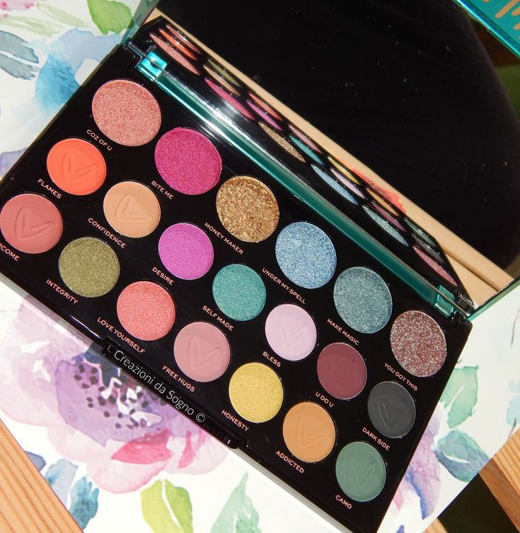 Carmi Make Magic Palette Revolution Makeup Prodotti