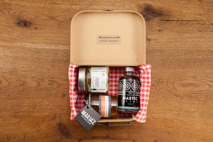 Small lunch box in kraft colour, containing Mastic tears liqueur 200ml, authentic tuna from Alonissos, homemade jam from Kilkis.