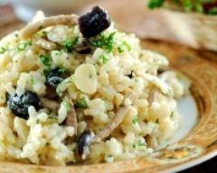 risotto champignons : http://www.cuisineaz.com/recettes/risotto-aux-champignons-a-l-italienne-8020.aspx