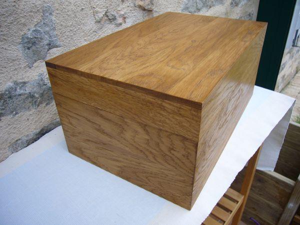 Pour ranger des petits ou grands objets , pensez à la belle #Boite #malle en #bois -  fabrication artisanale de produits en bois : http://www.lescoffretsdumorvan.com/boite-malle-de-rangement-sur-mesure,fr,4,BMR.cfm