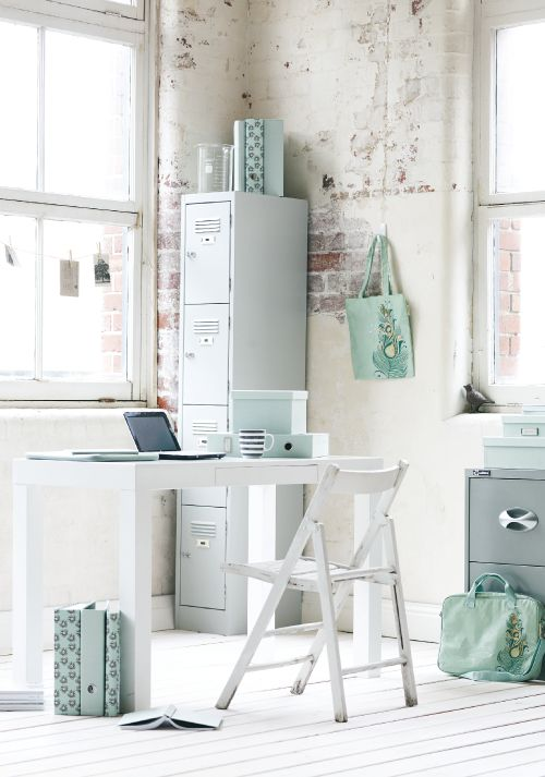 Lovely little corner to craft in ...