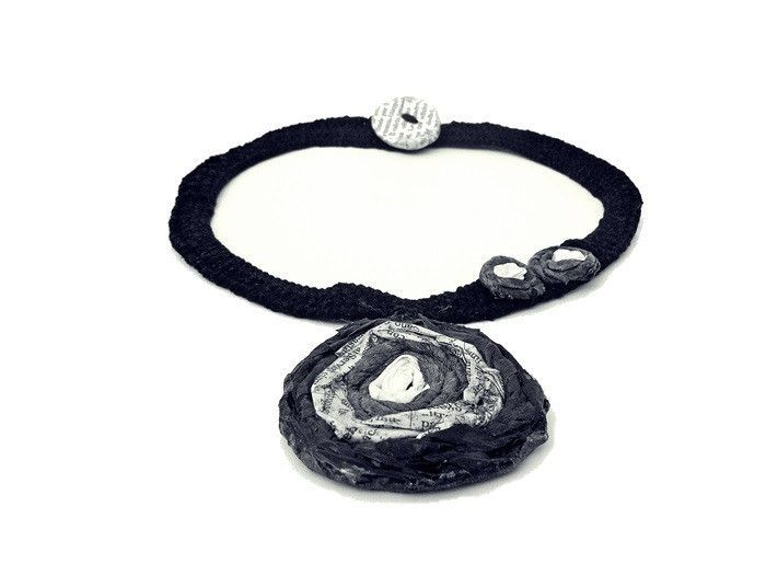 flora black - necklace