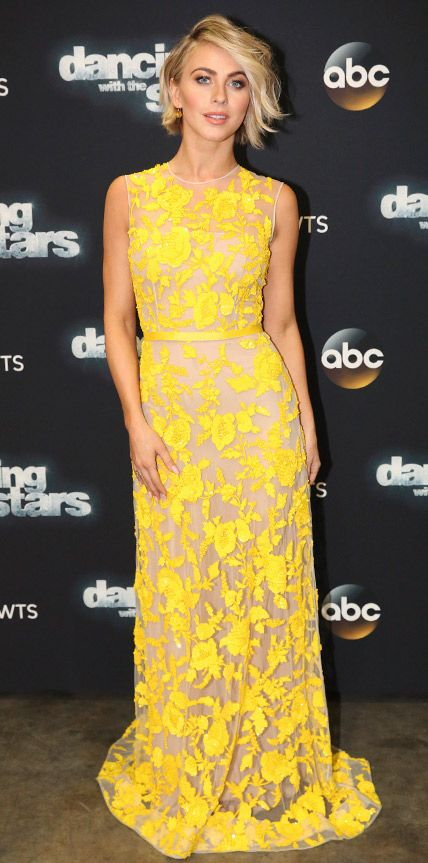 Julianne Hough lit up the red carpet at the Dancing With the Stars finale in a stunning yellow floral beaded Naeem Khan column.