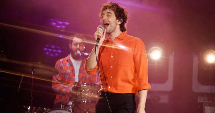 See Albert Hammond Jr.'s Acrobatic 'Set to Attack' on 'Corden' #headphones #music #headphones