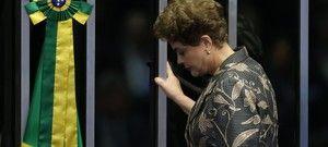 """O plenário do Senado aprovou nesta quarta-feira (31), por 61 votos favoráveis e 20 contrários, o impeachment de Dilma Rousseff. A presidente afastada foi condenada sob a acusação de ter cometido crimes de responsabilidade fiscal – as chamadas """"pedaladas fiscais"""" ..."""