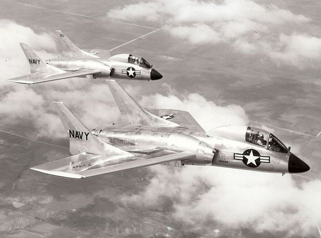 Vought F7u Cutlass A Us Navy Carrier Fighter Of The 1950s Interesting For Its Tailless Design Us Navy Aircraft Aircraft Us Military Aircraft