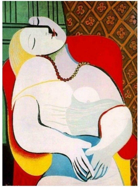 """<꿈>, 피카소 1932 피카소는 마리 테레즈를 화려하고 감각적인 색채, 부드러우면서도 생동감 넘치는 곡선, 풍만한 형태를 사용하여 신비하고도 초월적인 여신의 이미지로 표현하였다. 피카소의 다른 연인인 프랑수와즈 질로는 """"피카소에게 마리 테레즈는 사실적인 아름다움을 보여주는 미인이라기보다 우주적이고 초현실적인 질서와 조화의 상징이었다""""고 회고하였다. 1932년에 특히 정점을 이루는 이러한 작품 성향은 1935년을 전후로 시작되는 <실내의 여인> 연작에서부터 변화하게 된다. 이 그림들에서 마리 테레즈는 실내에서 평화로이 잠을 자거나 책을 읽고 있는 순수하고 천진난만한 모습으로 등장한다"""