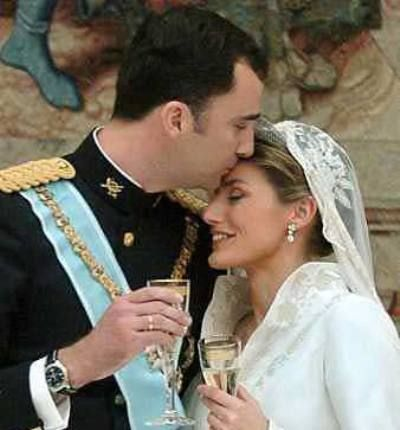 Prince Felipe of Asturias and Letizia Ortiz Rocasolano:    Better known for his courtship with several eligible women, Prince Felipe, later admitted his true love with Letizia Ortiz Rocasolano, a firebrand journalist of CNN and married her on May 22, 2004, in the Almudena Cathedral in Madrid. This royal wedding was broadcasted throughout the world with the presence of 30 head of states and various royal families.