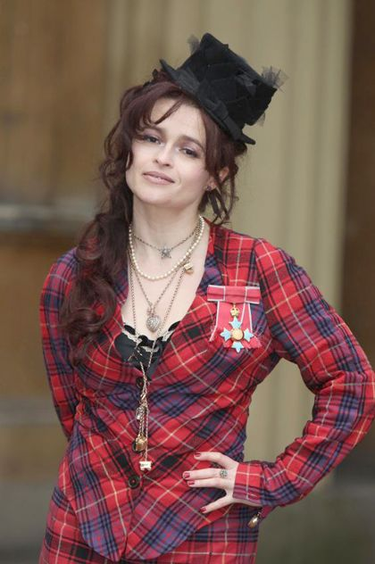 Helena Bonham Carter showed up to get her Commander of the British Empire (CBE) Medal at Buckingham Palace like this. Love. Her.