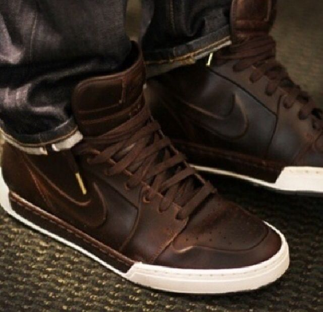Leather high top nike's