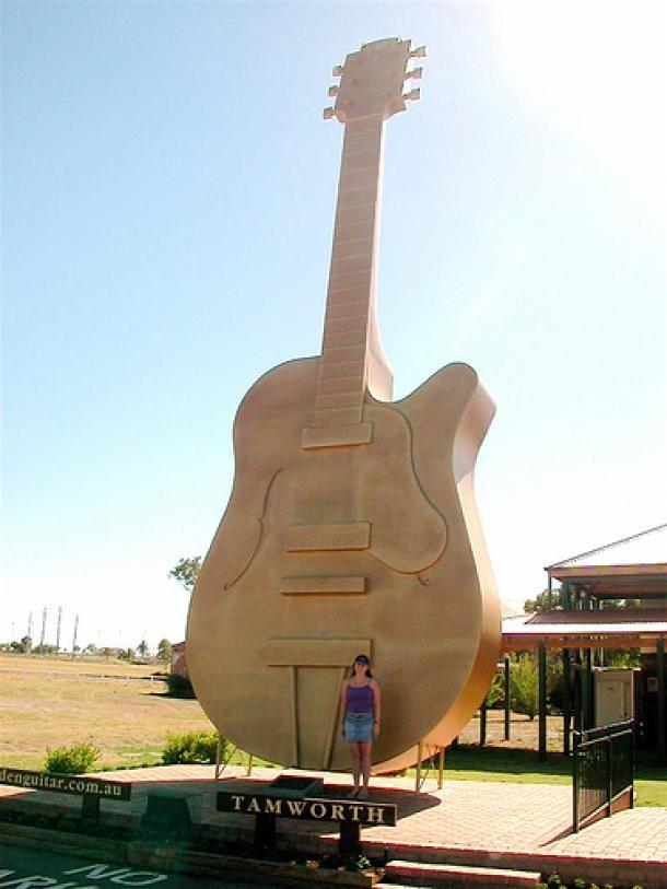The Big Golden Guitar – Tamworth NSW