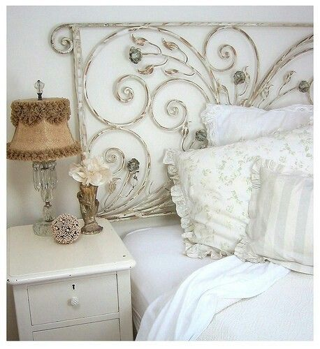 That Head Board is the prettiest one I've ever seen* LOVE it <3