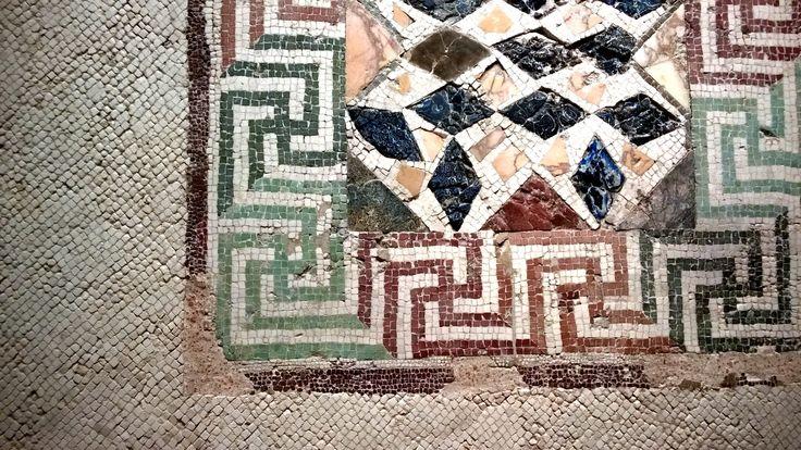 Museo Archeologico di Taranto: gli antichi mosaici di terme e ville patrizie.