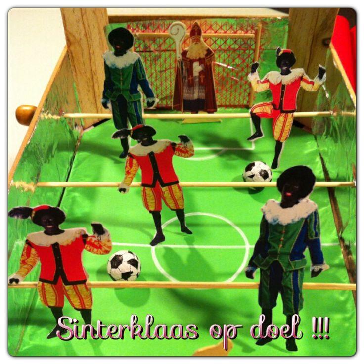 Tafelvoetbal spel....Sint op doel !!