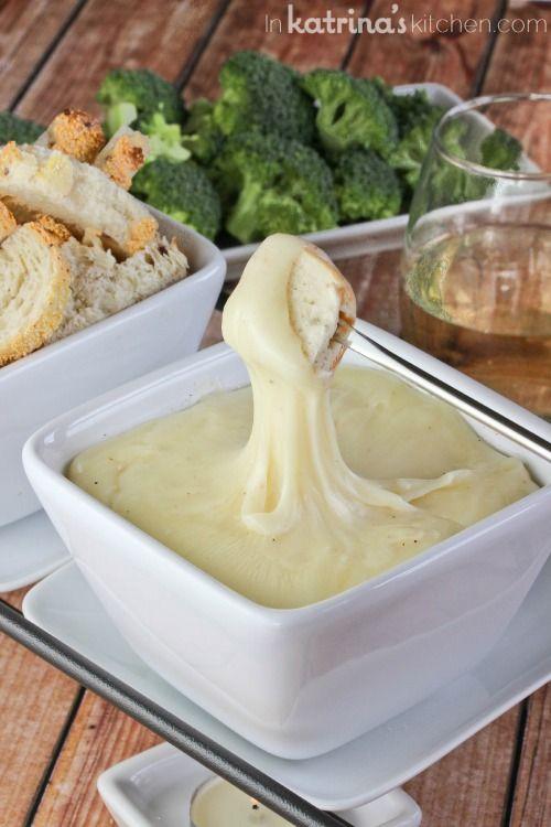 White Wine Swiss Fondue- amazingly simple and elegant recipe