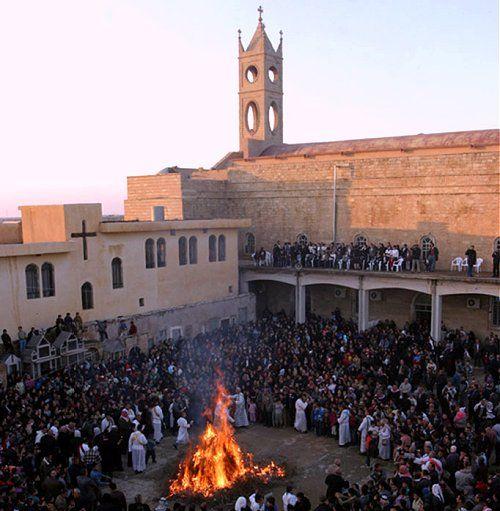 Misa de Navidad en la Iglesia principal de Qaraqosh. Irán   - Explore the World with Travel Nerd Nici, one Country at a Time. http://TravelNerdNici.com