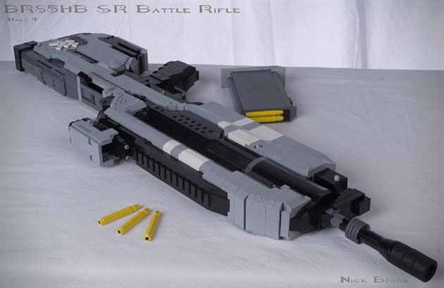 LEGO Halo 4 Battle Rifle Replica by Nick Jensen (3)