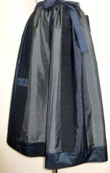 藍大島で作ったスカート(大島紬と正絹の着物)