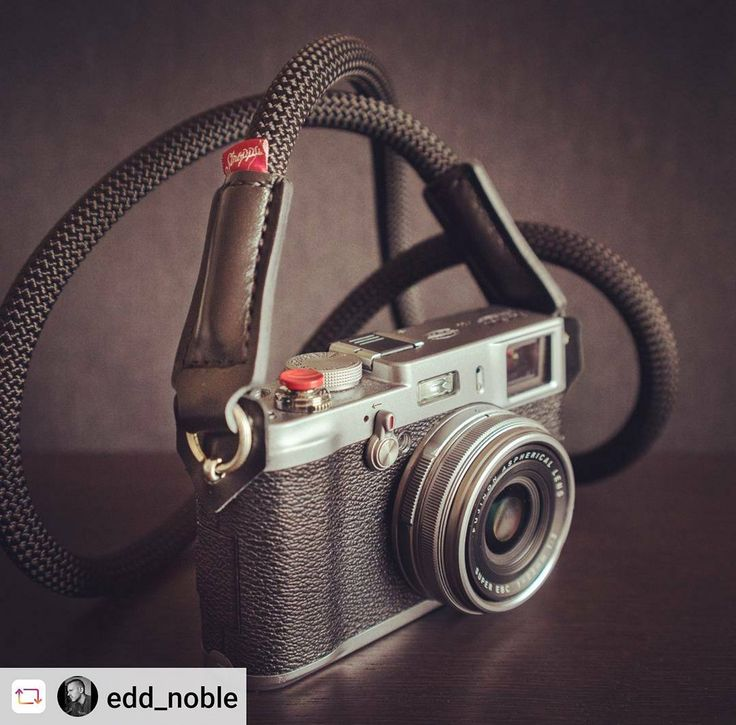 The power of the small red detail. Photo by @edd_noble  www.Stroppa.pl  Hand made camera straps #fujifilm #fuji #fujixseries #x100 #x100s #x100t #x100f #photography #photo #camera #photographer #giftideas #photooftheday #cameragear #love #instagood #beautiful #me #stroppa_straps #stroppa #gearshots #cameraporn #camerastrap #camerastraps #handmade #leather #rope #monday #beautiful #social