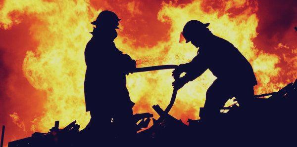 Dramma del fuoco: uomo muore nel suo appartamento avvolto dalle fiamme  http://tuttacronaca.wordpress.com/2014/02/05/dramma-del-fuoco-uomo-muore-nel-suo-appartamento-avvolto-dalle-fiamme/