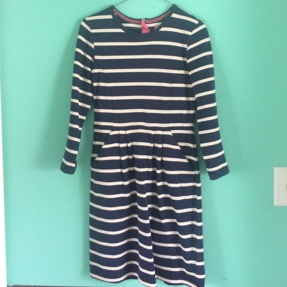 Joules Pocket dress size 4 Good condition and adorable dress Joules Dresses Long Sleeve