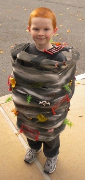 Twister! Be a Tornado for #Halloween. #Thrift #Costume