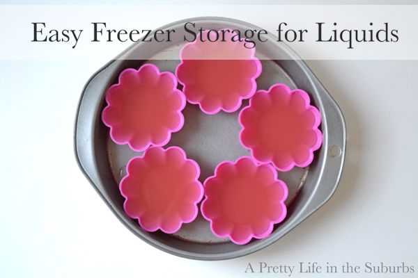 Easy Freezer Storage for Liquids: Freezers Storage, Muffins Cups, Easy Freezers, 1 4 Cups, Kitchens Tips, Freeze Broth, Kitchens Kaper, Chicken Broth, Bags