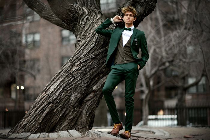 Wedding Trends: Colored Suits for the Groom