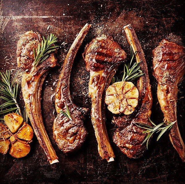 Cowboy ribeye tomahawks done perfectly.  Great for game day. . . Shout-out to @fairmontajman . . . . #Barbecue #BBQ #BBQPorn #Beef #Carne #Carnivore #Food #Foodgasm #Foodie #Foodies #FoodPhotography #FoodPics #FoodPorn #Foodstagram #ForkYeah #GlutenFree #Grill #Instafood #Meat #liveauthentic #eeeeeats #feedfeed #onthetable #f52grams #huffposttaste #buzzfeast #ribeye #steak #tomahawk
