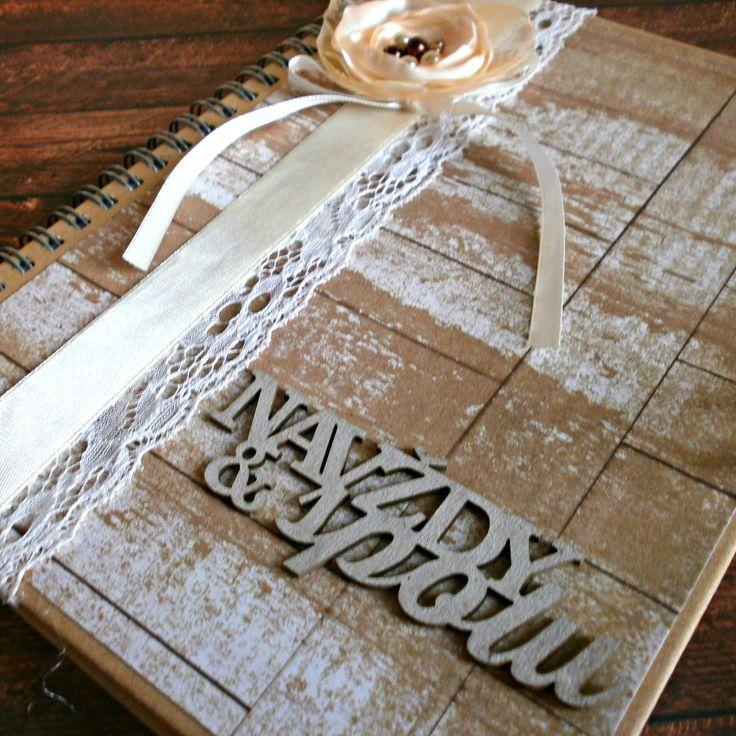 Svatební+kniha+rustical+Nechejte+kolovat+svým+svatebním+hostům+knihu+hostů,+do+které+Vám+mohou+psát+jejich+dojmy,+přání+,+vzkazy+a+rady+do+manželství.+Vznikne+Vám+památka+na+celý+život+a+Vy+si+i+po+letech+můžete+zavzpomínat...+Kniha+je+formátu+A5+Tato+kniha+byla+vyrobena+ze+scrapbookových+papírů+-+doplněná+krajkou,+stuhou,+květinou+ze+saténu+a+organzy,+perličkami+a+...