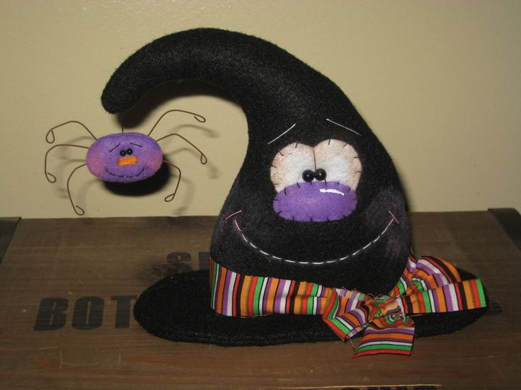 PRIMITIVE HC HALLOWEEN WITCH HAT WITH SPIDER DOLL SHELF SITTER ORNIE   #Country