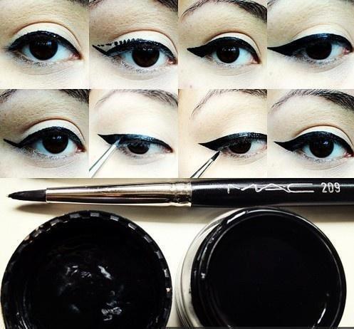 how to put eyeyliner on