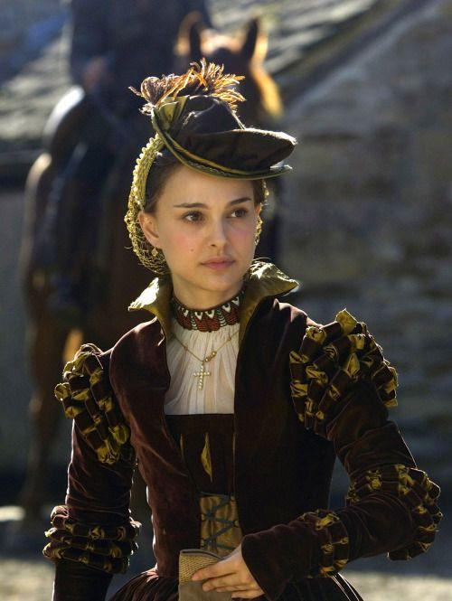 Natalie Portman as Anne Boleyn in The Other Boleyn Girl (2008).
