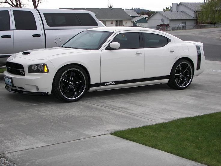White Dodge Charger | Carss and Trucks
