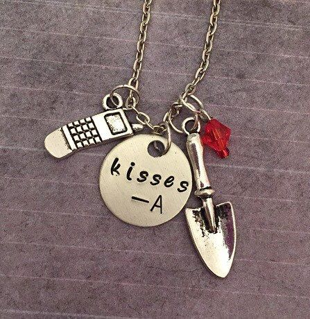 Hey, I found this really awesome Etsy listing at https://www.etsy.com/listing/227606600/pretty-little-liars-kisses-a-necklace