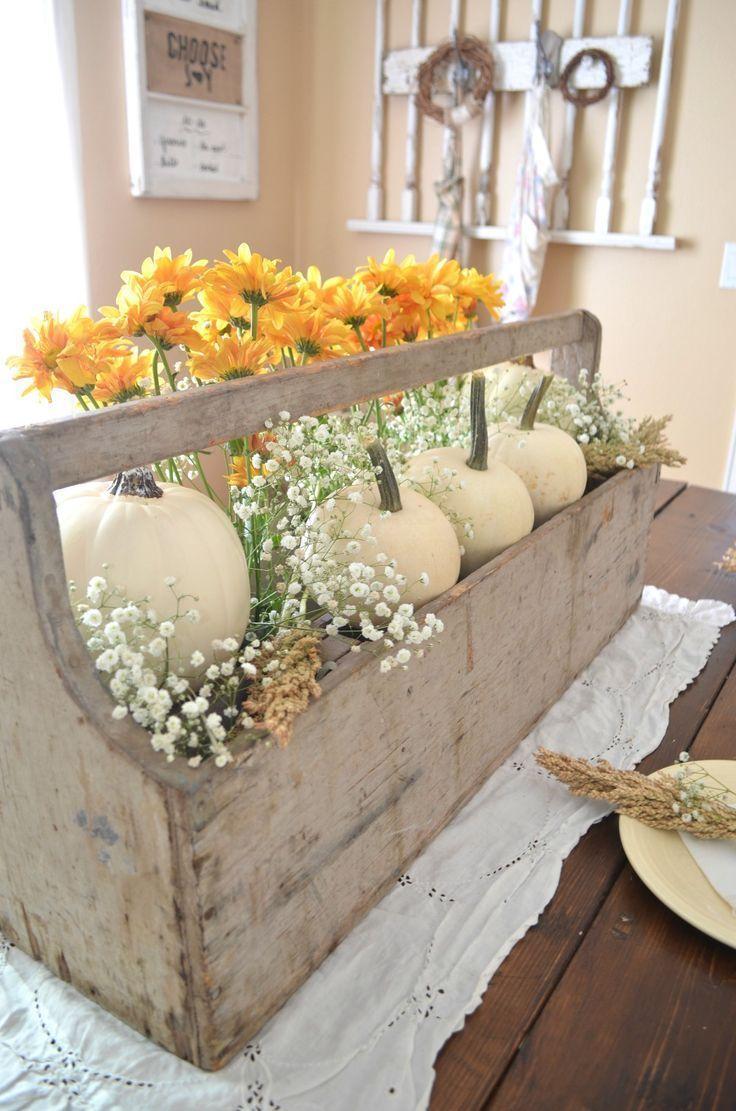 A great centerpiece to build for fall display diyfall for Decoracion en madera para el hogar