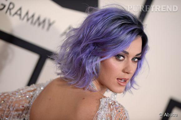 Le pastel est une tendance coloration star. Parmi ses adeptes : Katy Perry qui n'hésite pas à afficher des cheveux violets sur red carpet.