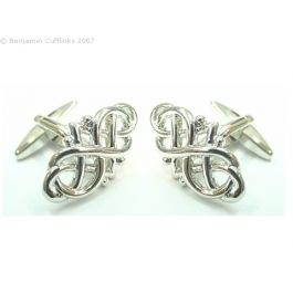 Celtic Design Cufflinks - Ogh I the noo. These cufflinks wid look braw with any kilt. If you don't have a kilt I am sure they would go just as well with any shirt needing something to keep the cuffs together.