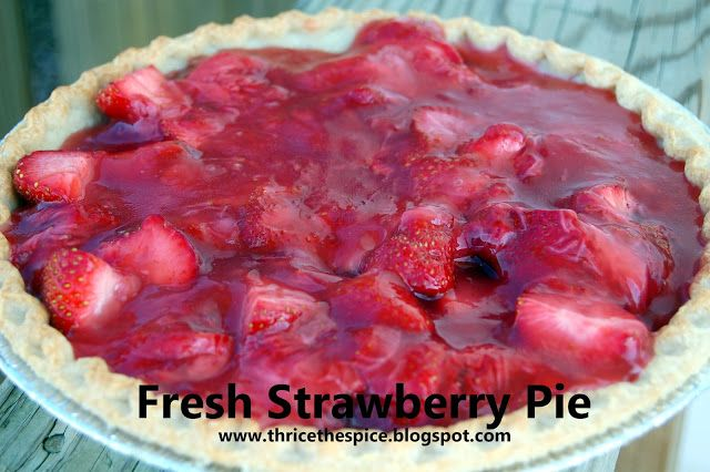 Fresh Strawberry Pie!  5 ingredients, easy to put together, and tastes DELICIOUS!