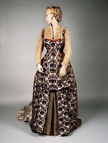1883-1888 Dress by Worth  8